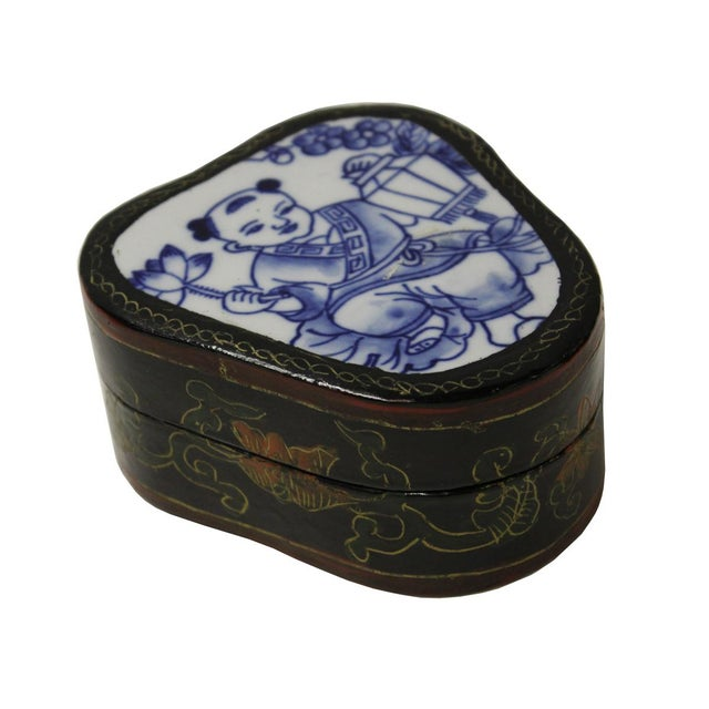 Asian Blue & White Baby Figure Porcelain Jewelry Box For Sale - Image 3 of 5
