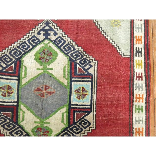 "Vintage Turkish Konya Rug - 4'6"" x 6'4"" For Sale In New York - Image 6 of 7"