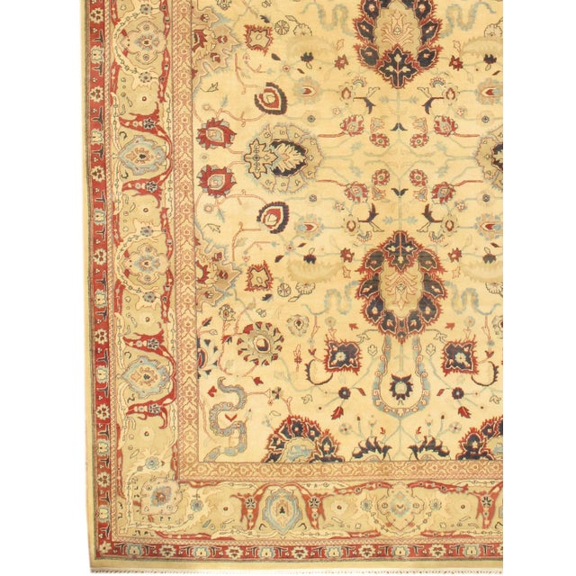 INDO Sultanabad design Hand-knotted Indian rug. Natural Dyed. Fine weave. 100% lamb's wool. very good for high traffic....