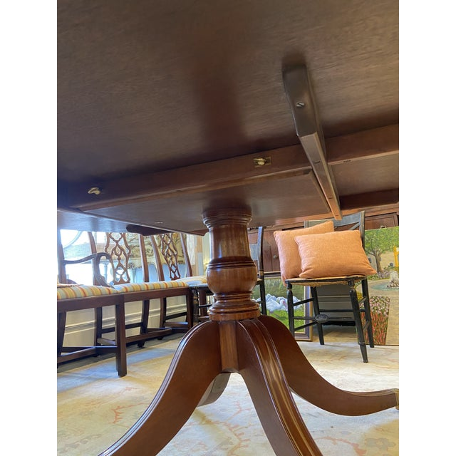 1920s Traditional Round Mahogany Dining Table For Sale - Image 9 of 12