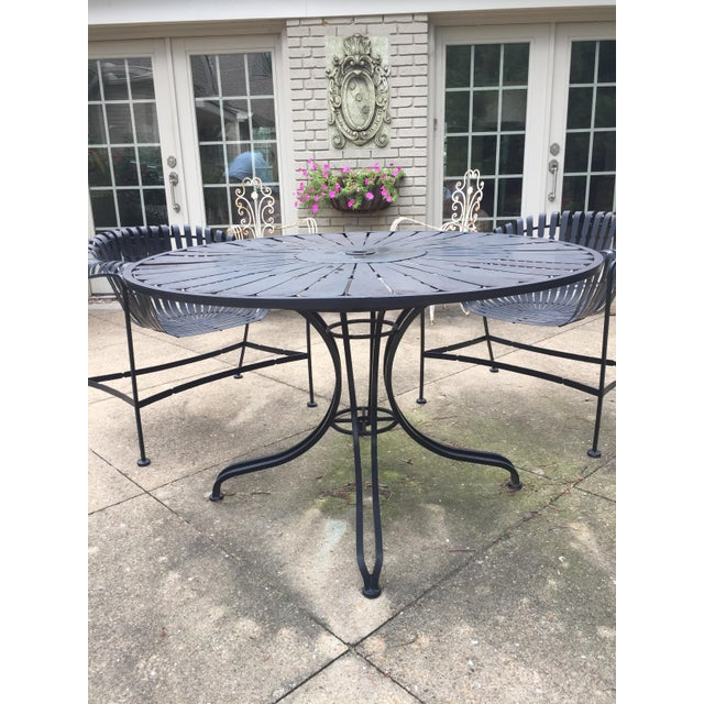 Metal Mid-Century Outdoor Patio Set - Set of 5 For Sale - Image 7 of 9