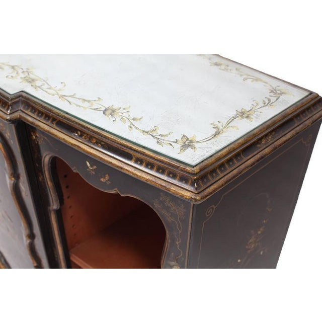 Chippendale Mirrored Silver Gilt Bow Front Hand Decorated Console Cabinet Credenza Chinoiser For Sale - Image 3 of 8