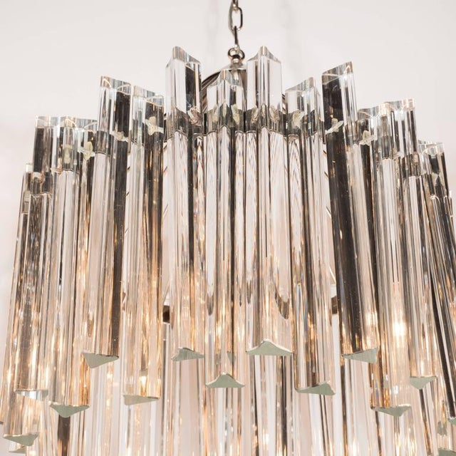 Sophisticated Mid-Century Single-Tier Stepped Triedre Chandelier by Camer For Sale In New York - Image 6 of 9