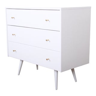 Paul McCobb Planner Group White Lacquered Three Drawer Bachelor Chest or Nightstand, Newly Restored For Sale