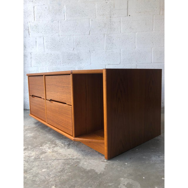 Vintage Danish Modern Tv Stand Media Console For Sale In Miami - Image 6 of 13