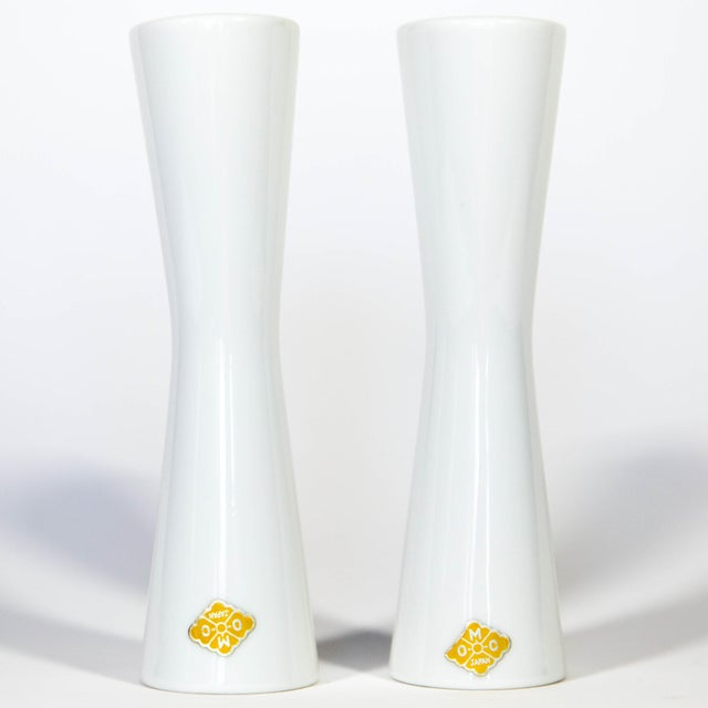Mid 20th Century Mid Century White Salt & Pepper Shakers For Sale - Image 5 of 7