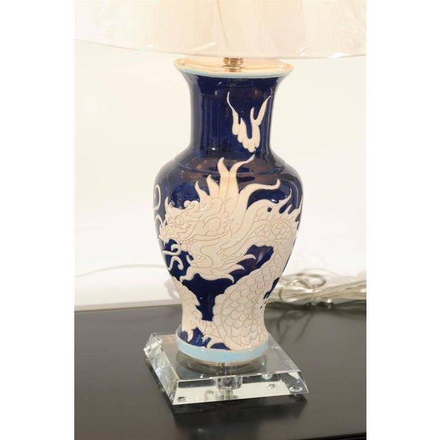 Restored Pair of Dramatic Vintage Dragon Lamps in Cobalt and Cream For Sale In Atlanta - Image 6 of 11