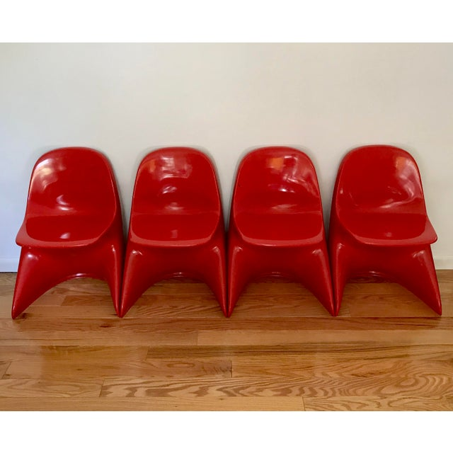 Casala 1970s Space Age Casala Casalino Red Stacking Child's Chairs - Set of 4 For Sale - Image 4 of 12