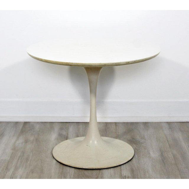 "For your consideration is an original, early ""tulip"" side or end table, by Saarinen for Knoll, circa 1960s. In very good..."