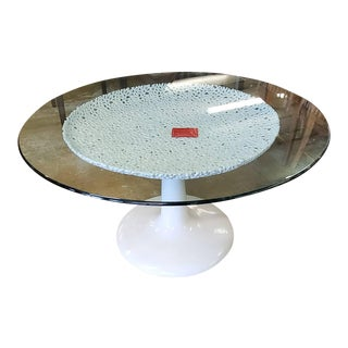 Lexington Furniture Seascapes White Lacquer Cast Aluminum Round Table W/ Glass Top For Sale