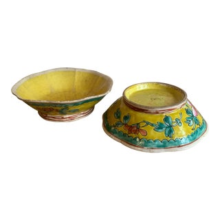 Antique Chinese Export Porcelain Bowls With Yellow Interiors- A Pair For Sale