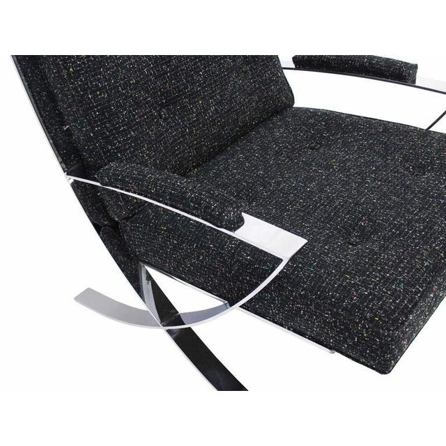 Mid-Century Modern Scissor X-Base Chrome Lounge Chair with New Upholstery For Sale - Image 3 of 9
