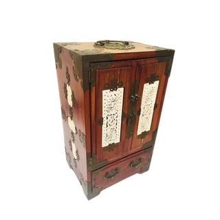 1960s Vintage Chinese Rosewood Jewelry Chest For Sale