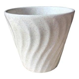 1950s Vintage Bauer Wavy White Speckled Ceramic Planter For Sale