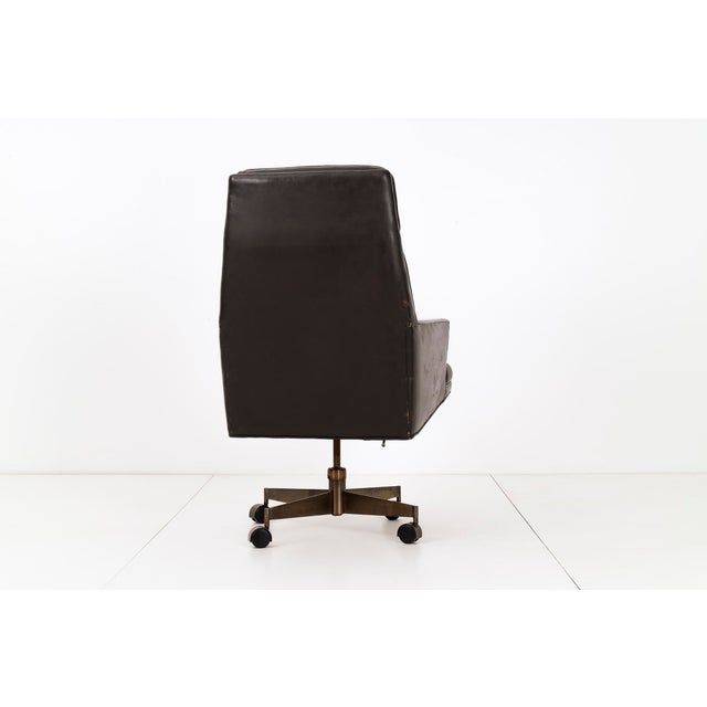 Mid-Century Modern Edward Wormley Executive Swivel Chair For Sale - Image 3 of 7