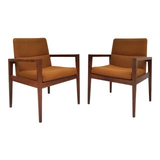 Mid-Century Modern Pair of Arm Chairs For Sale