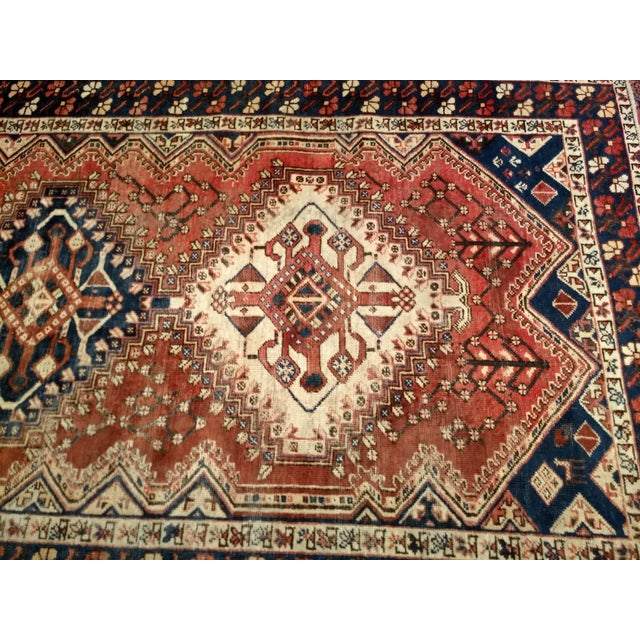 1940s Vintage Persian Shiraz Tribal Carpet - 5′2″ × 10′1″ For Sale In Chicago - Image 6 of 9