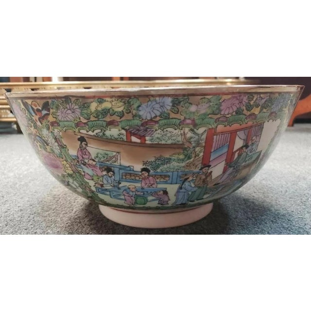 Mid 20th Century Mid 20th Century Chinese Rose Medallion Porcelain Punch Bowl For Sale - Image 5 of 8