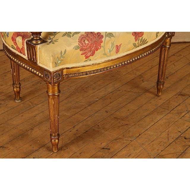 French Gilt Wood Louis XVI Style Settee & Arm Chairs - Set of 5 For Sale - Image 12 of 13