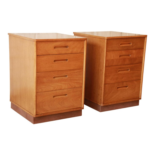 Edward Wormley for Dunbar Mid-Century Nightstands - a Pair For Sale