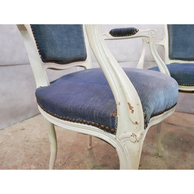 French Set of 3 Large French Vintage Whitewashed Velvet Blue Upholstery Louis XV Armchairs For Sale - Image 3 of 13