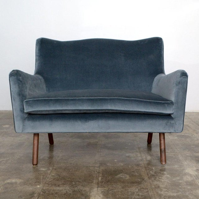 Modern Modern Charcoal Gig Loveseat For Sale - Image 3 of 3