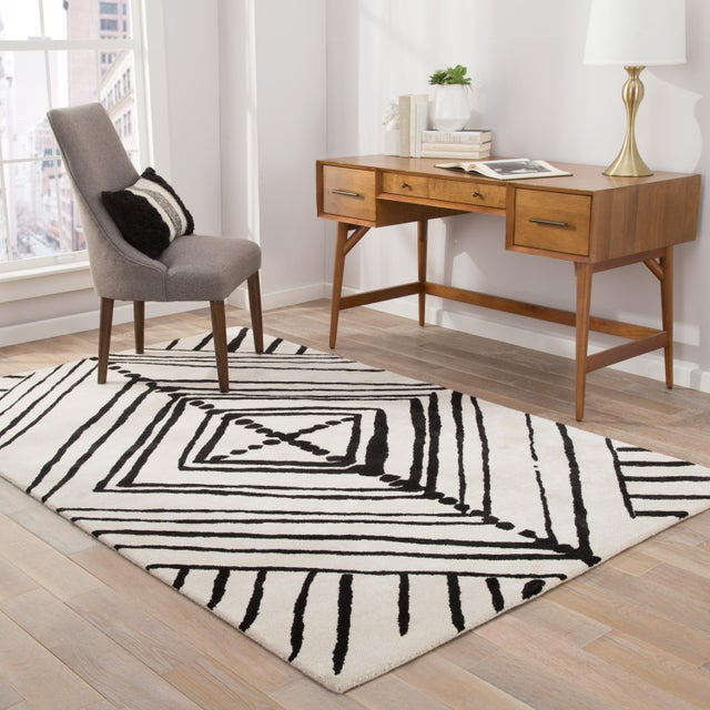 2010s Nikki Chu by Jaipur Living Gemma Handmade Abstract White/ Black Area Rug - 5′ × 8′ For Sale - Image 5 of 6