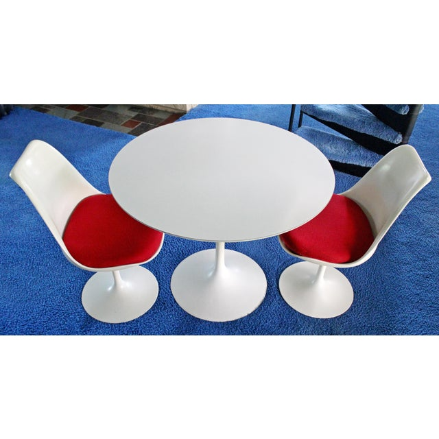 Mid-Century Modern Mid-Century Modern Saarinen for Knoll White Tulip Dinette Set Table 2 Chairs For Sale - Image 3 of 7