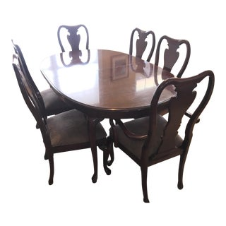 Thomasville Collector's Cherry Oval Dining Set For Sale