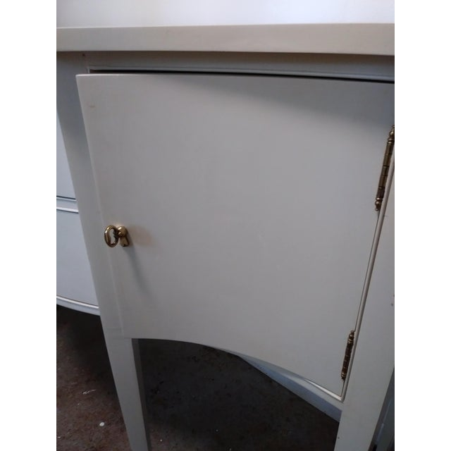 Hepplewhite Hickory Chair Company Sideboard For Sale In Atlanta - Image 6 of 10