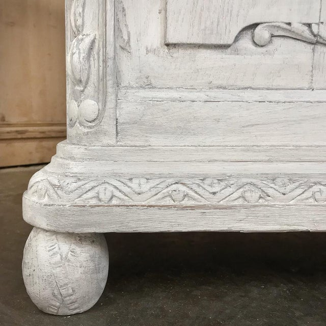19th Century French Louis XVI Painted Pedestal Table For Sale - Image 11 of 13