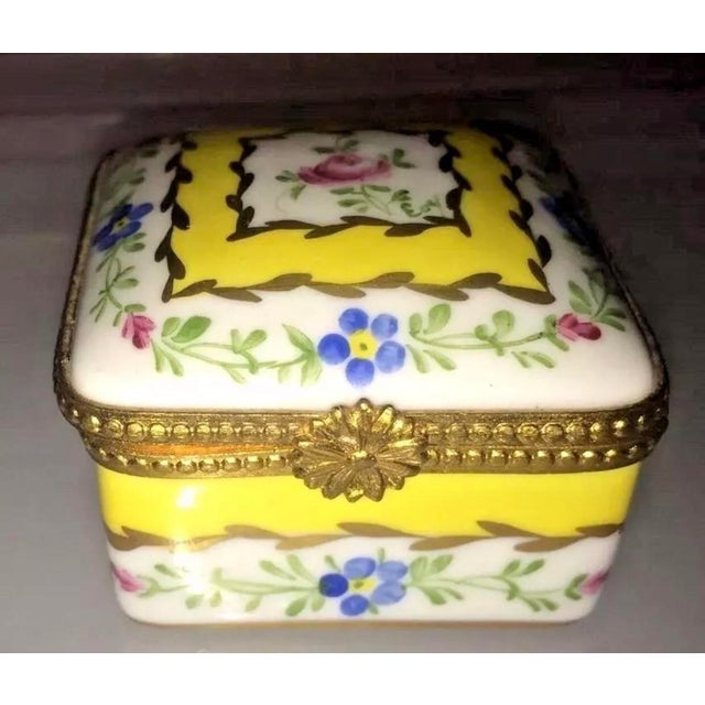 """New Vintage Limoges Box Yellow White Blue Floral Flowers 2"""" square 1"""" high Beautiful clasp and hinge The box is decorated..."""