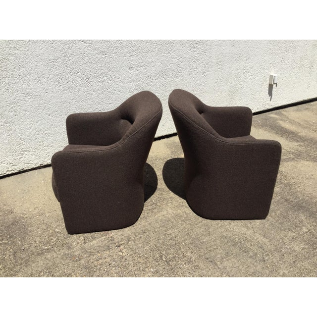 1980s Vintage Milo Baughman for Thayer Coggin Barrel Back Tub Accent Chairs- A Pair For Sale In Dallas - Image 6 of 12