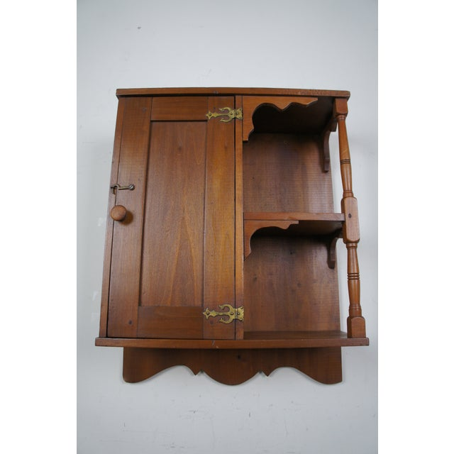 Pine 20th Century Early American Style Antique Pine Wall Hanging Medicine Cabinet For Sale - Image 7 of 13