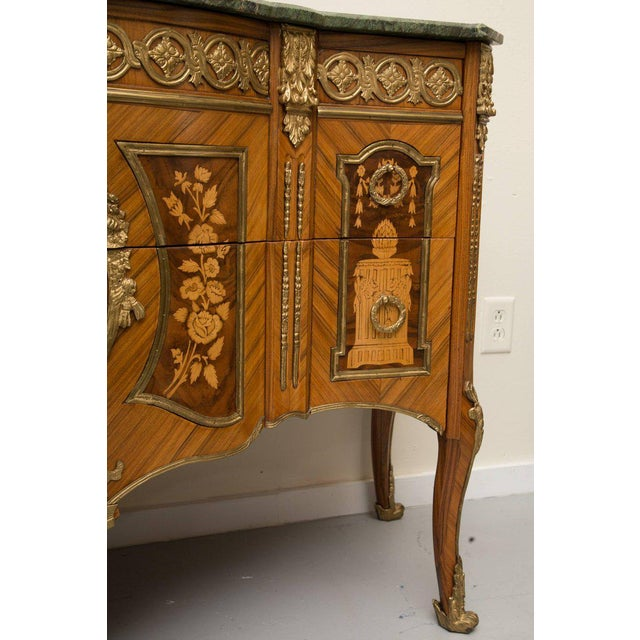 1950s Louis XVI Transitional Style Inlaid Commode For Sale - Image 5 of 9