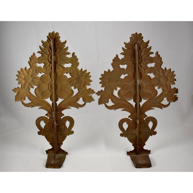 French Continental Tôle Peinte Bouquets in Urns - a Pair For Sale - Image 3 of 11