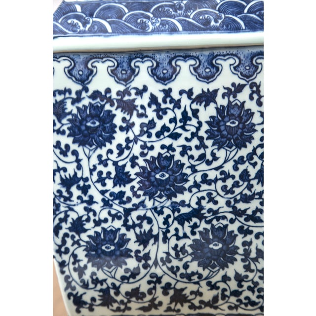 Blue & White Chinese Ginger Vases - A Pair - Image 6 of 7