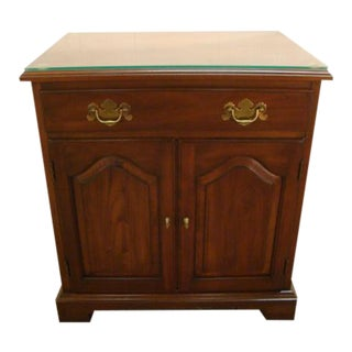 1970s Traditional Henkel Harris Solid Cherry Nightstand For Sale