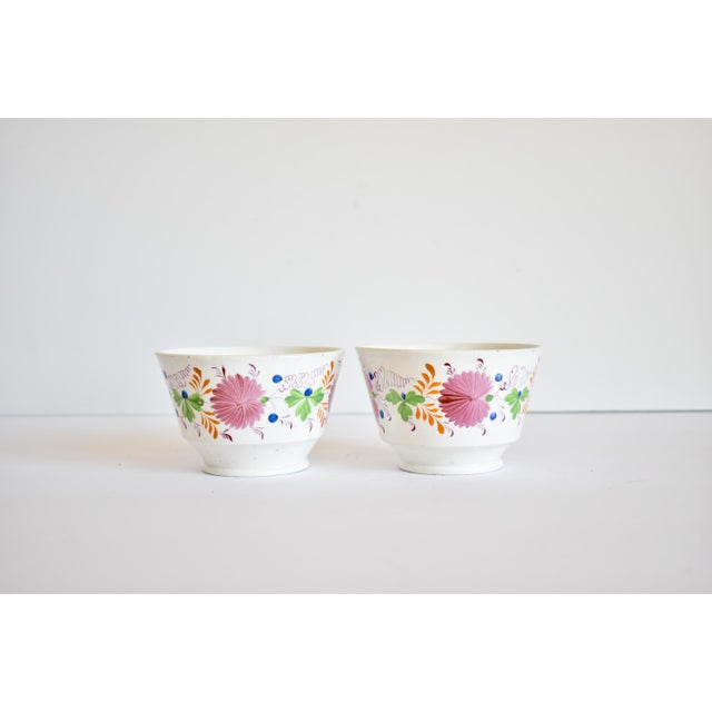 Staffordshire Antique C. 1810-1820 Pink Luster Staffordshire Creamware Tea Bowls - a Pair For Sale - Image 4 of 13