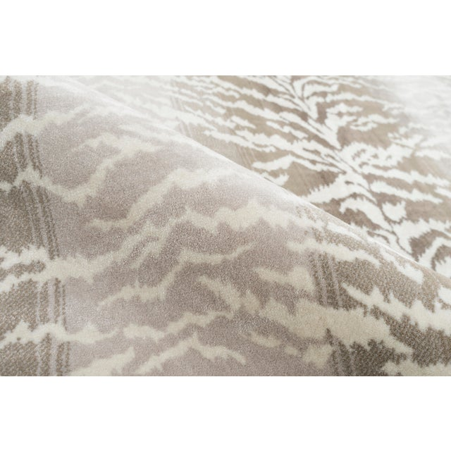 "Contemporary Stark Studio Rugs Tabby Stone Rug - 3'11"" X 5'10"" For Sale - Image 3 of 8"