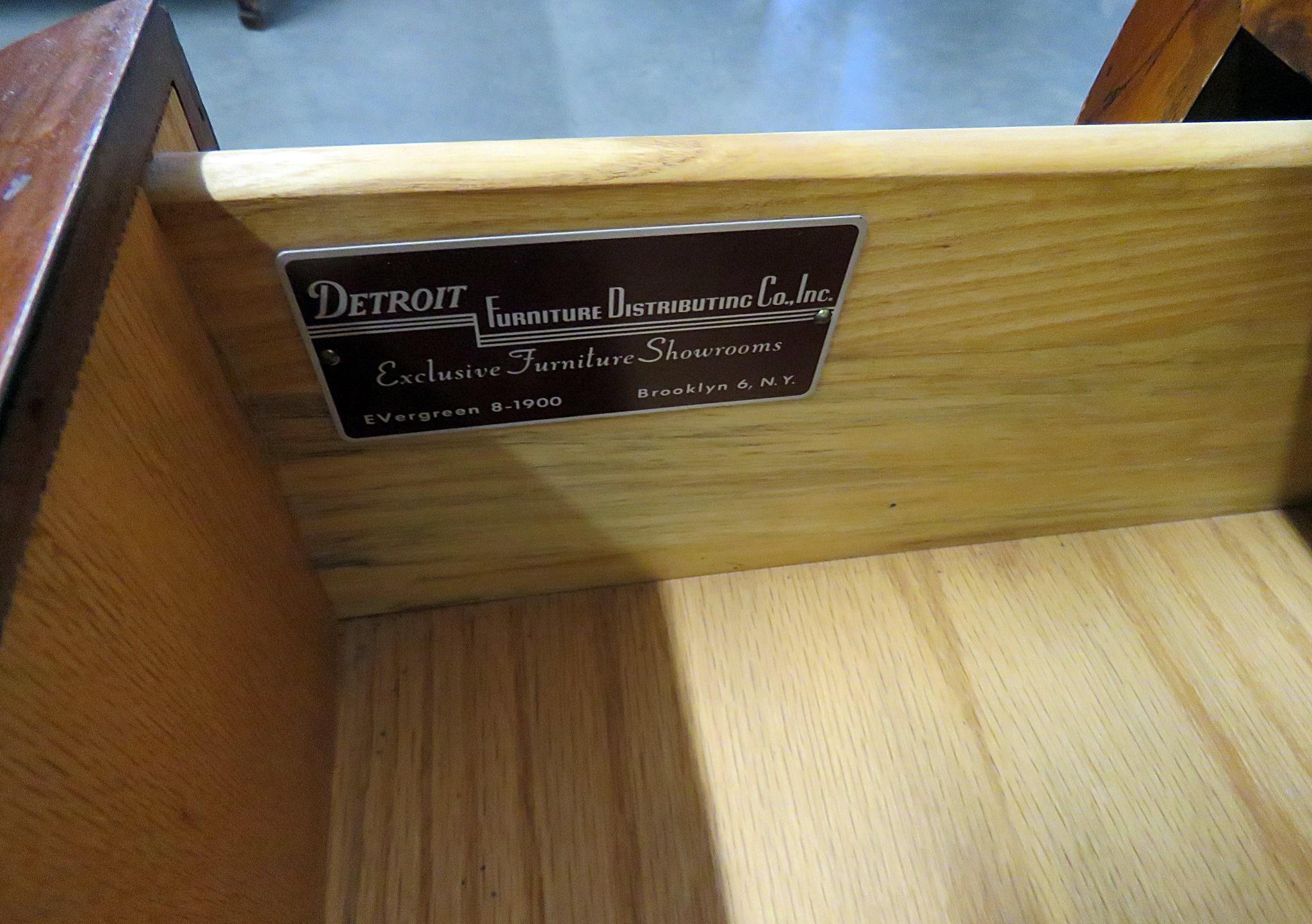 Charmant Detroit Furniture Company Mid Century Modern Gentlemanu0027s Chest