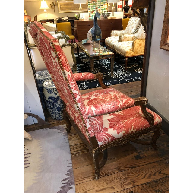 French 1950s Vintage Carved Giltwood Fauteuil Arm Chair For Sale - Image 3 of 13
