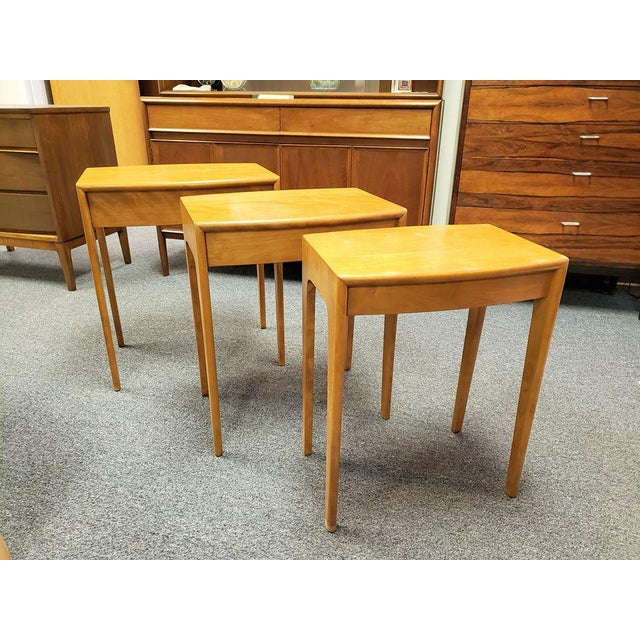 Tan 1960s Mid-Century Heywood Wakefield Nesting Tables - Set of 3 For Sale - Image 8 of 13