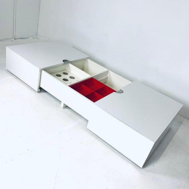 1970s Op-Art Pop White & Stainless Convertible Storage Bar / Coffee Table For Sale - Image 5 of 11