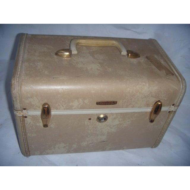 Mid-Century Samsonite Beige Vinyl Cosmetics Case - Image 2 of 7