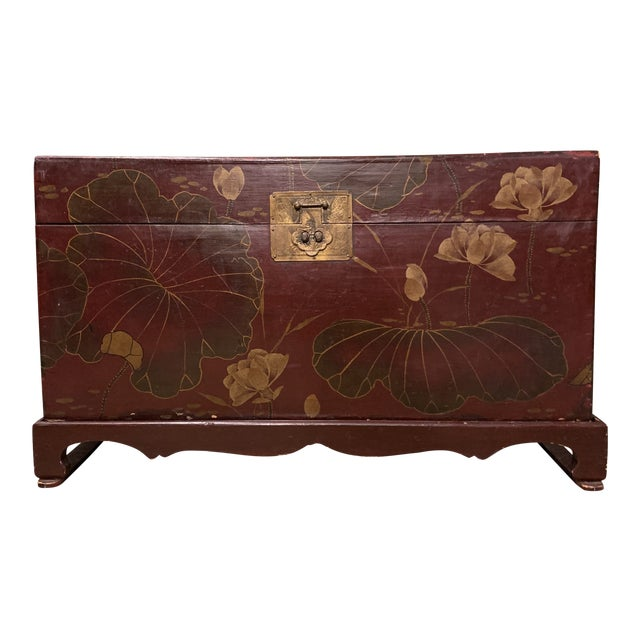 Vintage Chinese Lacquered Wedding Trunk For Sale
