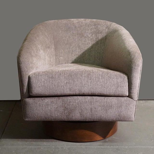 Milo Baughman Swivel Tub Chair - Image 7 of 7