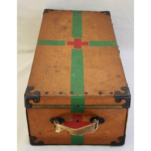 Circa 1940s Military Medical Suitcase w/ Cross For Sale In Los Angeles - Image 6 of 11
