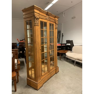 Antique Lighted Display Cabinet Preview