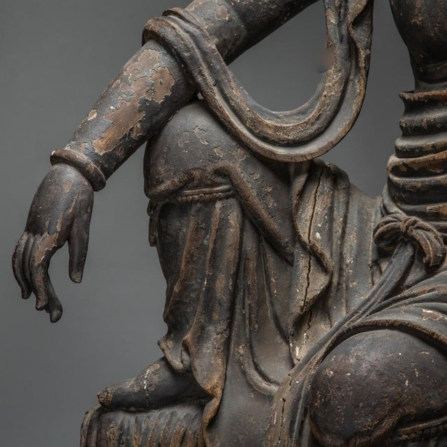 Asian Wooden Sculpture of the Bodhisattva Guanyin For Sale - Image 3 of 6